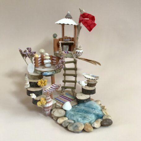 Naturemake model of little beach hut